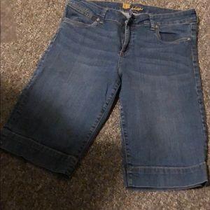 Bermuda blue jeans by kut size